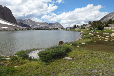 photo of Golden Bear Lake and Center Peak, Kings Canyon National Park, CA